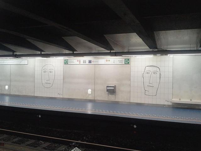 La station de métro Malbeek où a eu lieu le deuxième attentat, causant au moins vingt victimes.