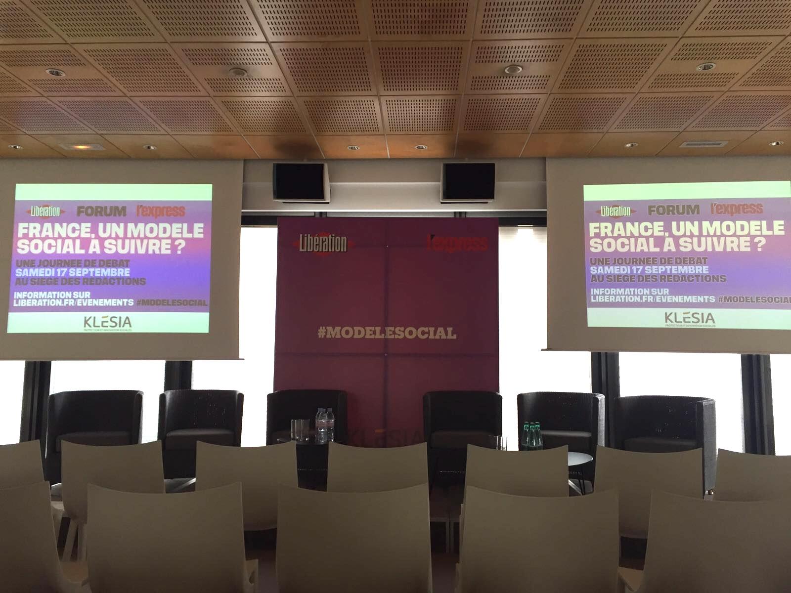 La salle du 6e étage de Libération, avant le début des débats. Photo : DSJC.